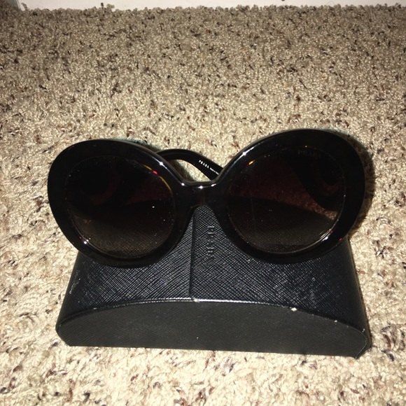 8180ec9973 Prada Baroque sunglasses. M 5a6804075521be8c699c79ca